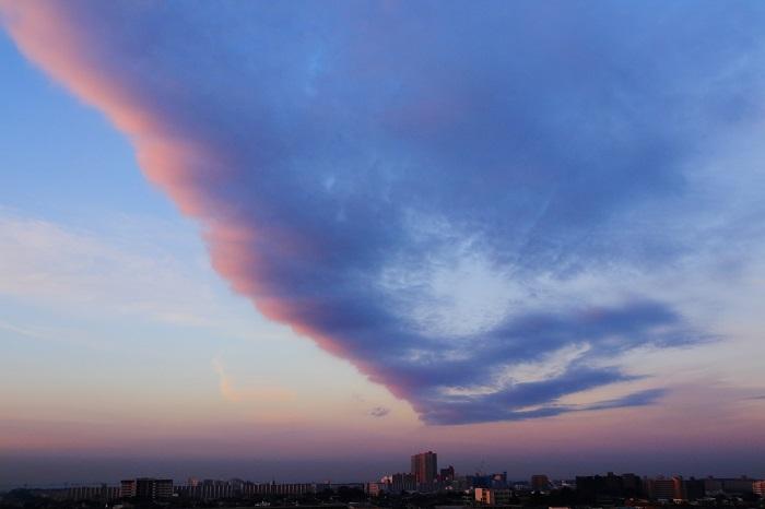 朝焼けの航跡雲ーⅠ_b0268615_757683.jpg