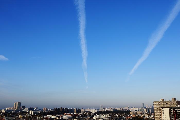 飛行機雲ーⅠ_b0268615_8395434.jpg