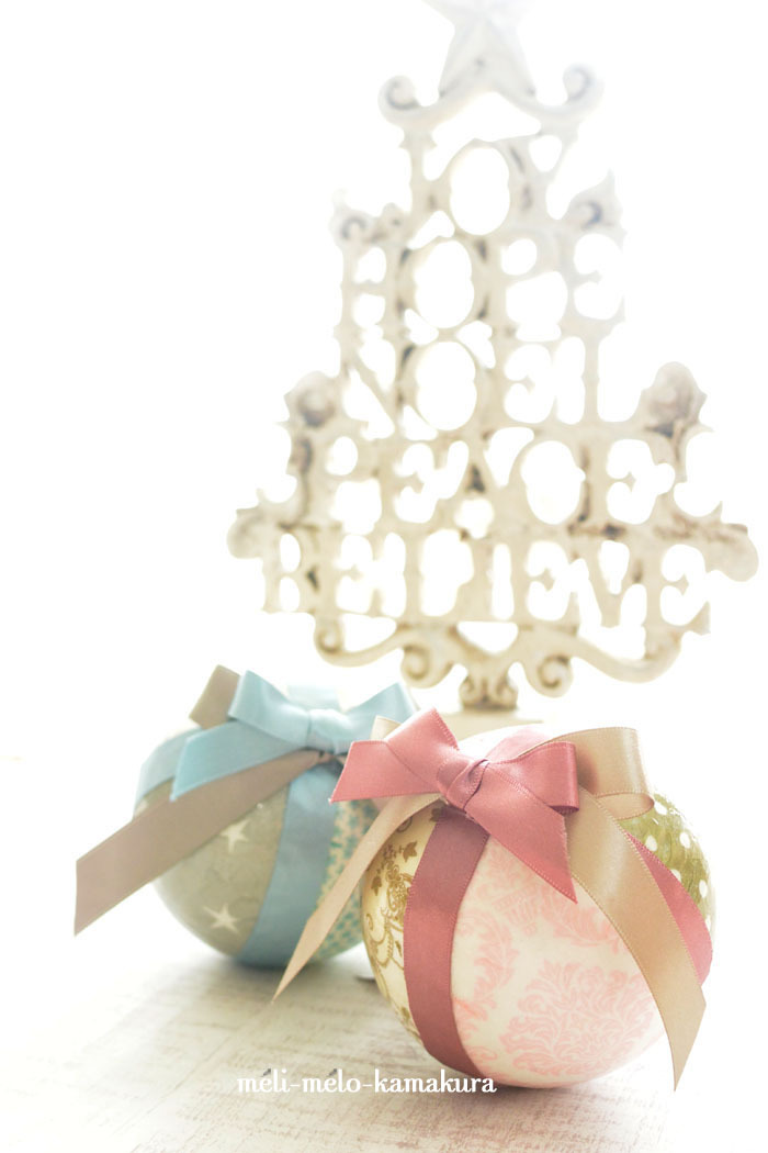 ◆デコパージュ*毎年大活躍!とっても軽いクリスマスオーナメント♪_f0251032_10164661.jpg