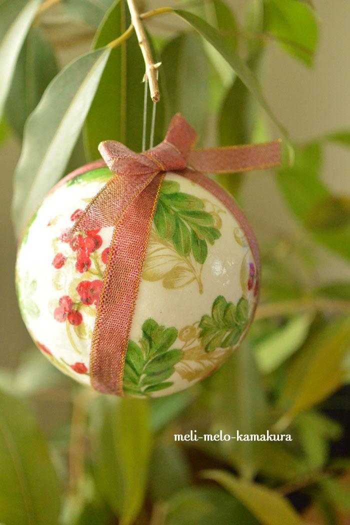 ◆デコパージュ*毎年大活躍!とっても軽いクリスマスオーナメント♪_f0251032_10502882.jpg