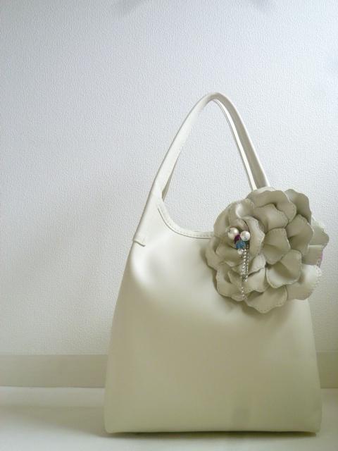 ≪pianto di rosa≫ ばらのなみだシリーズの新色バッグを作っています❤_f0340942_22550123.jpg
