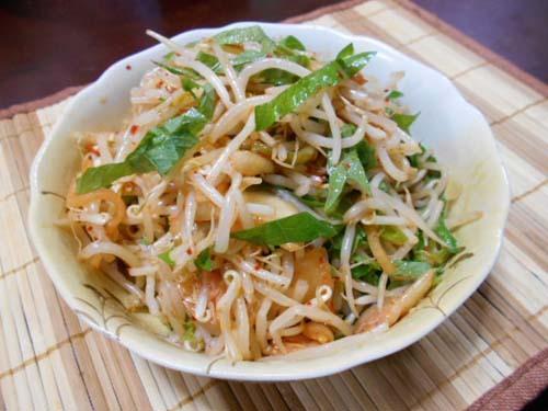根菜のオイスターソース炒め&もやしのキムチ和え_f0019498_08521341.jpg