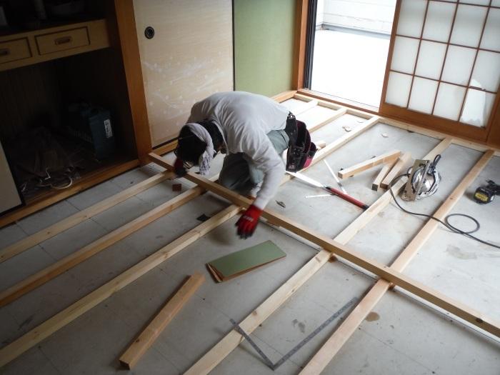和室リフォーム ~ 床工事から開始です。_d0165368_07341667.jpg
