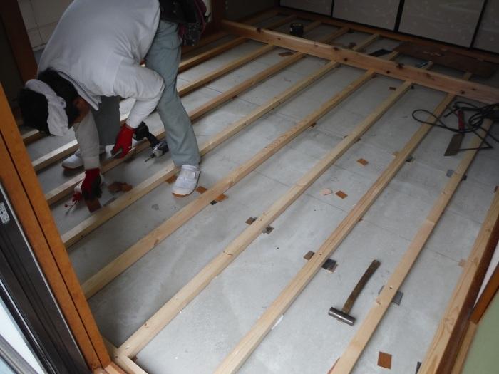 和室リフォーム ~ 床工事から開始です。_d0165368_07343120.jpg