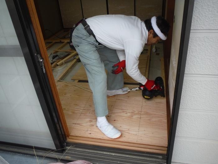 和室リフォーム ~ 床工事から開始です。_d0165368_07344992.jpg