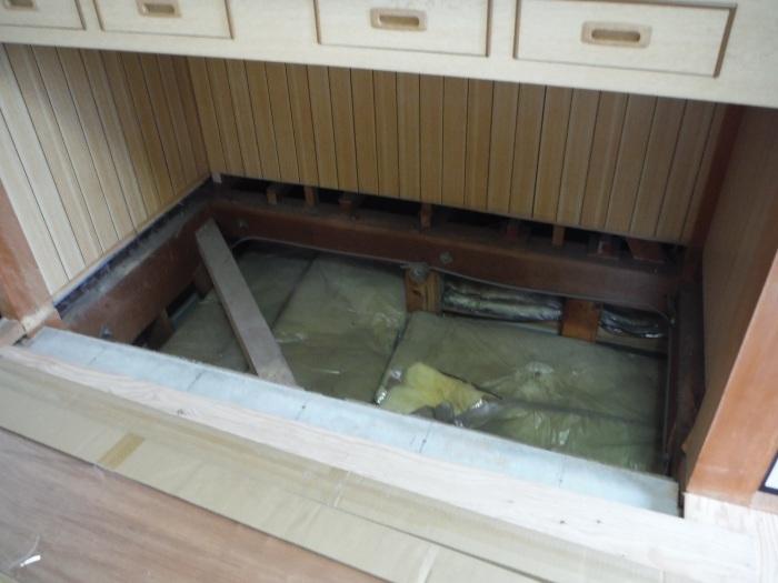 和室リフォーム ~ 床工事から開始です。_d0165368_07351299.jpg