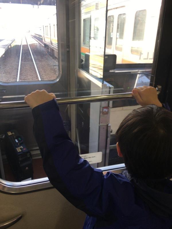 東海道本線に乗って鉄道模型の店ポポンデッタへ。_d0367998_15245060.jpg