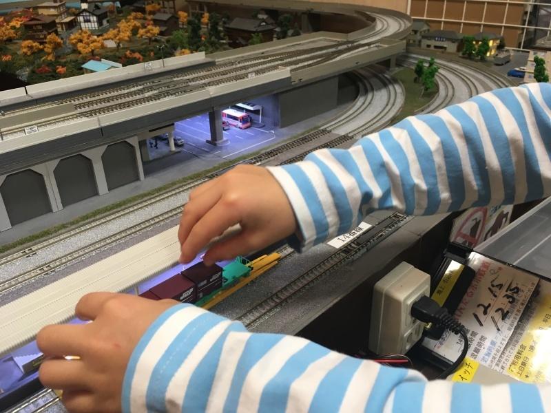 東海道本線に乗って鉄道模型の店ポポンデッタへ。_d0367998_15262686.jpg