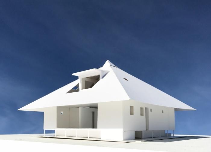深い軒と高床式_e0189939_17185208.jpg