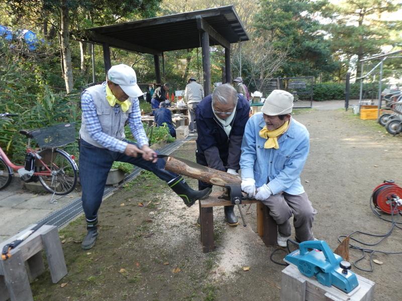 木のツリー試作・イベント準備・・・うみべの森_c0108460_19245126.jpg