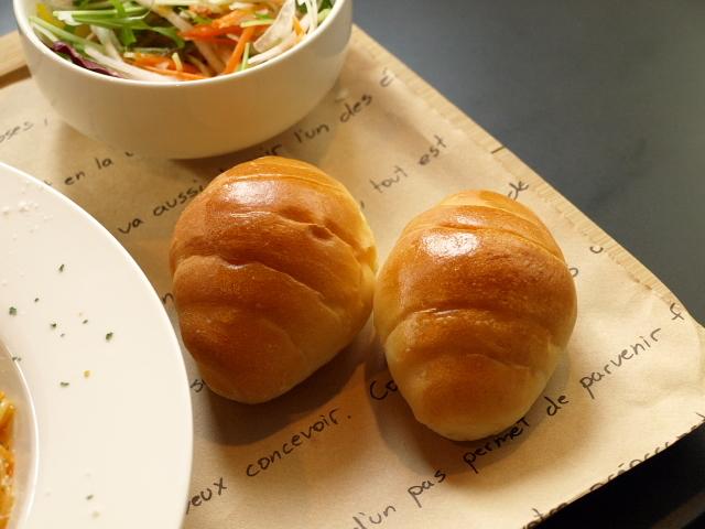 ル・ブーランジェ オゾ(OZO Cafe) その3(エビとトマトクリームのパスタ)_d0153062_20292527.jpg