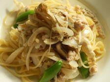 11/25本日パスタ:鶏挽肉とキノコの豆乳スパゲティ_a0116684_12015561.jpg