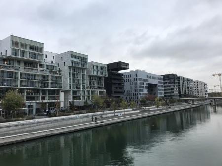 ヨーロッパのインターナショラル建築スタイル昨今_c0042989_14434819.jpg