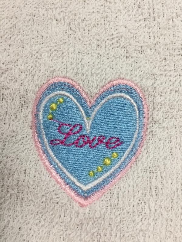 タオルの置き縫いに挑戦!_a0370893_00353084.jpg