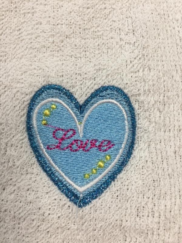 タオルの置き縫いに挑戦!_a0370893_00353675.jpg