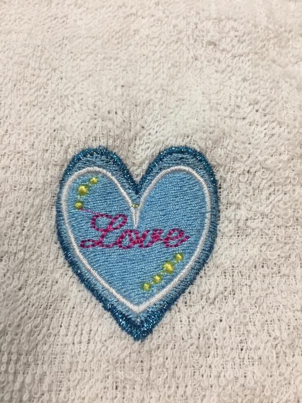タオルの置き縫いに挑戦!_a0370893_00354158.jpg