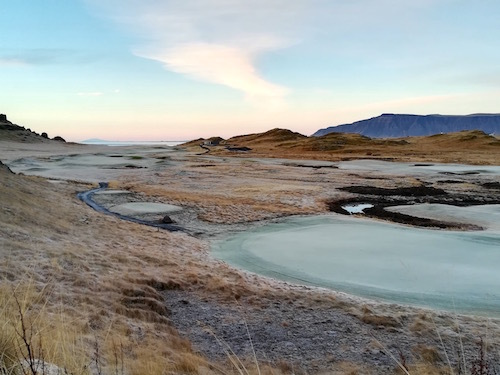 アイスランド、陽は昇るけど登り切らない冬の日の荒涼_c0003620_05013954.jpg