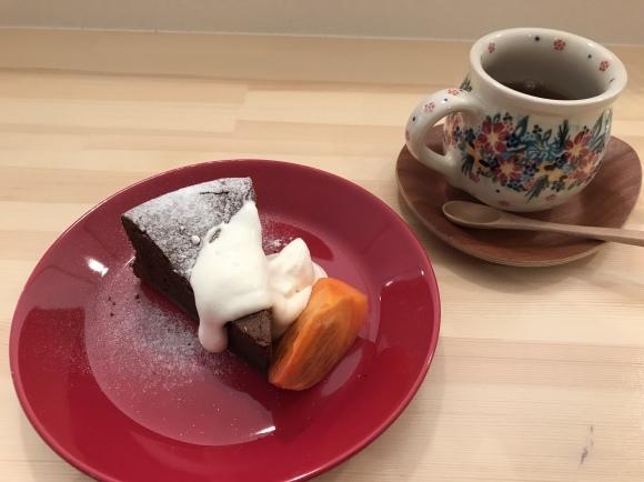 お茶とお菓子のカフェ FikaがOPENしまーす_b0168089_21070388.jpeg