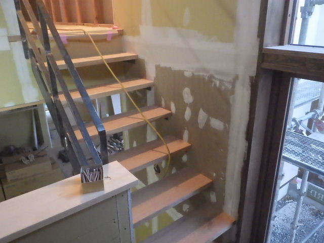 岩泉の家 仕上工事進行中。_f0105112_04405565.jpg