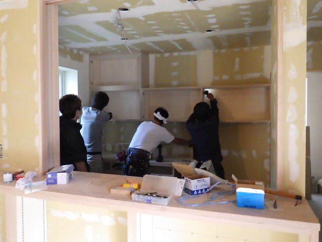 岩泉の家 仕上工事進行中。_f0105112_04405611.jpg