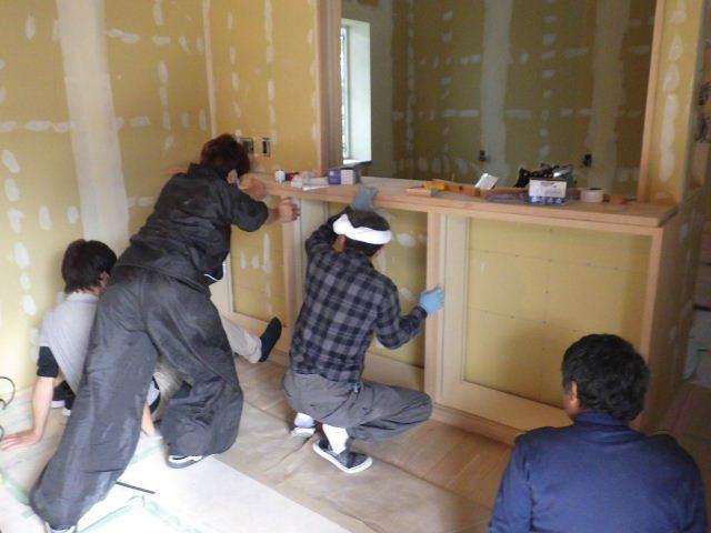 岩泉の家 仕上工事進行中。_f0105112_04405668.jpg