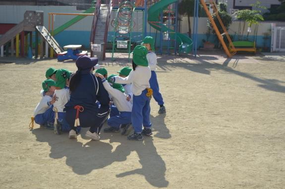 体育の様子☆_e0125433_15212628.jpg