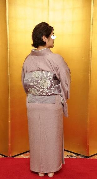 10周年・色無地に東京で出逢われた三眠蚕の帯のお客様。_f0181251_15135416.jpg