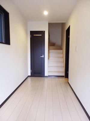 平成21年建築、築浅のお家、賃貸募集開始!!_e0251265_17031310.jpg