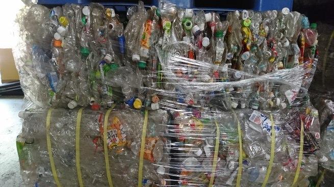 プラスチック包装容器ごみ_c0347272_14111108.jpg