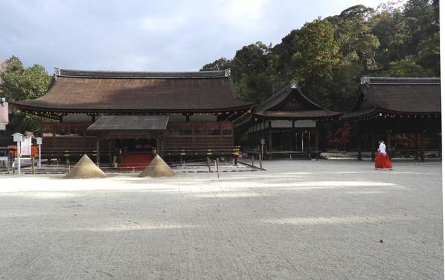 上賀茂神社 紅葉の盛り_e0048413_20451084.jpg