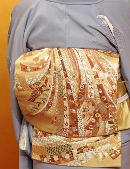 10周年・野田淳子さん・波頭文様の着物・熨斗の刺繍帯_f0181251_17123038.jpg