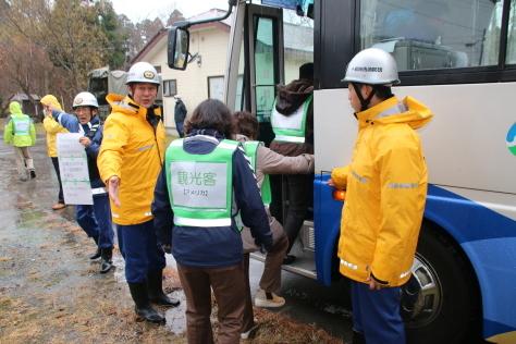 休屋・宇樽部地区の自主防災組織らが避難訓練を実施しました_f0237658_11504187.jpg