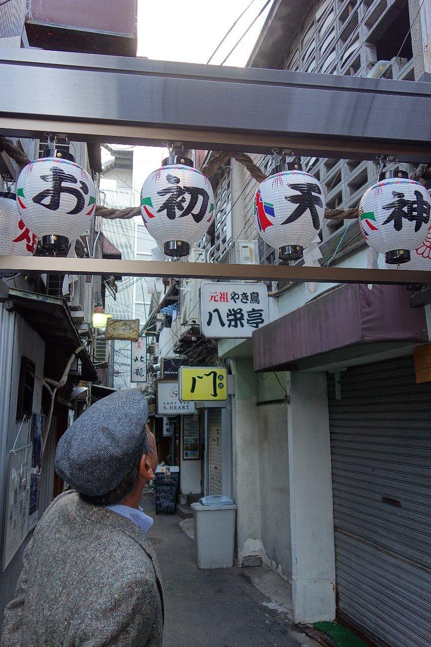 曽根崎お初天神通り_c0112559_08331336.jpg
