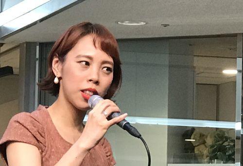 出口優日さん  広尾プラザで営業ライブ_a0163788_21475591.jpg