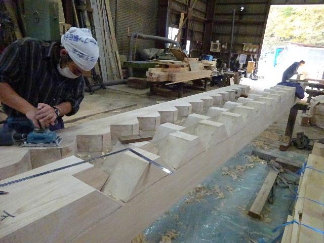 盛岡市本町通 地域材を使い大工の作る木造3階建住宅 大工工事進行中。_f0105112_04220735.jpg