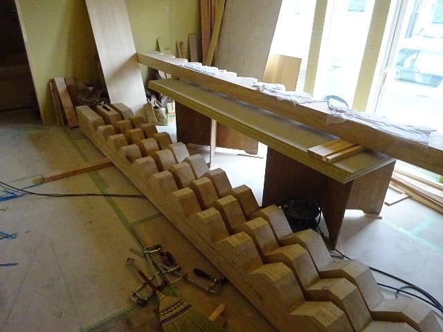 盛岡市本町通 地域材を使い大工の作る木造3階建住宅 大工工事進行中。_f0105112_04220861.jpg