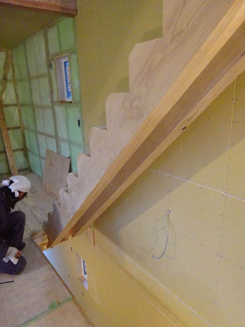 盛岡市本町通 地域材を使い大工の作る木造3階建住宅 大工工事進行中。_f0105112_04282416.jpg