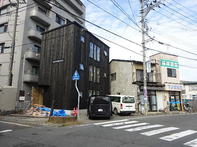 盛岡市本町通 地域材を使い大工の作る木造3階建住宅 大工工事進行中。_f0105112_04400287.jpg