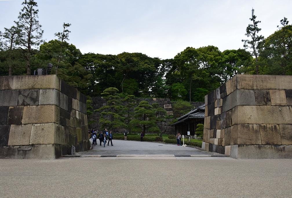 江戸城を歩く。 その5 「三ノ丸~二の丸」_e0158128_18371838.jpg