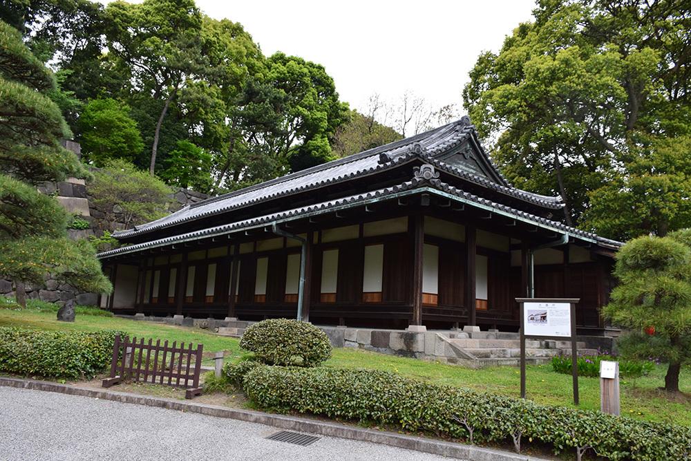 江戸城を歩く。 その5 「三ノ丸~二の丸」_e0158128_18391210.jpg