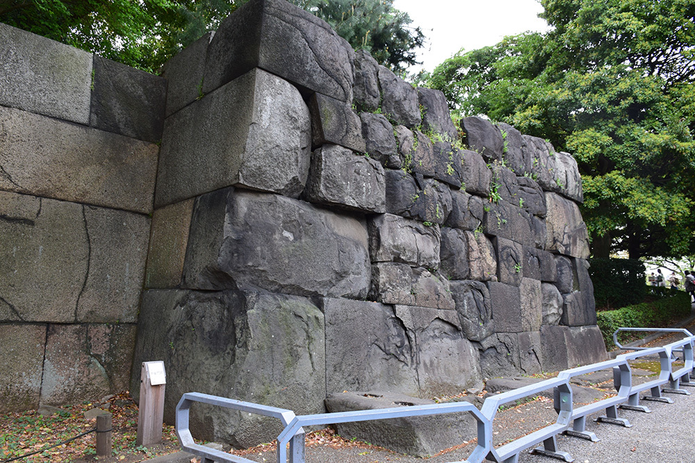 江戸城を歩く。 その5 「三ノ丸~二の丸」_e0158128_18430112.jpg