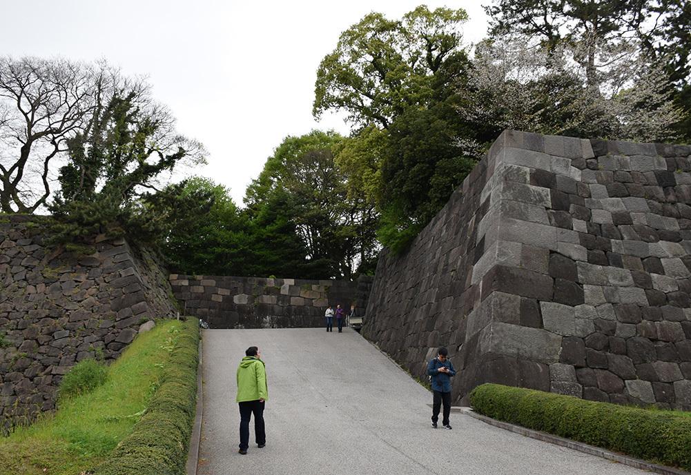 江戸城を歩く。 その5 「三ノ丸~二の丸」_e0158128_18461809.jpg