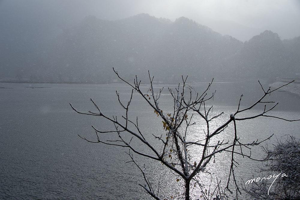 雪の秋元湖_c0085877_03305458.jpg