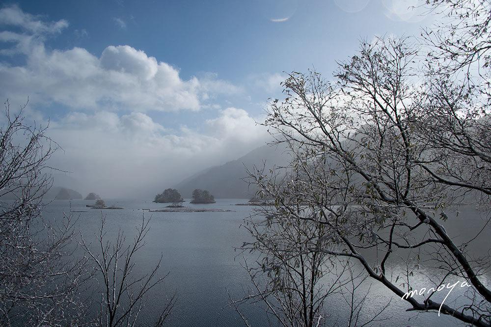 雪の秋元湖_c0085877_03310124.jpg