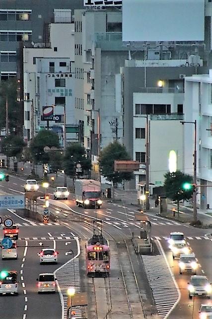 藤田八束の鉄道写真@高知市内を走る路面電車は便利なこと最高です。一日乗り放題600円で5分間隔で走っている・・・観光客は路面電車が嬉しい_d0181492_18194739.jpg