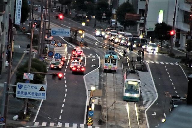 藤田八束の鉄道写真@高知市内を走る路面電車は便利なこと最高です。一日乗り放題600円で5分間隔で走っている・・・観光客は路面電車が嬉しい_d0181492_18195902.jpg