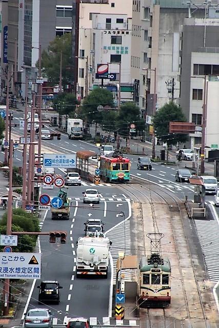 藤田八束の鉄道写真@高知市内を走る路面電車は便利なこと最高です。一日乗り放題600円で5分間隔で走っている・・・観光客は路面電車が嬉しい_d0181492_18203894.jpg