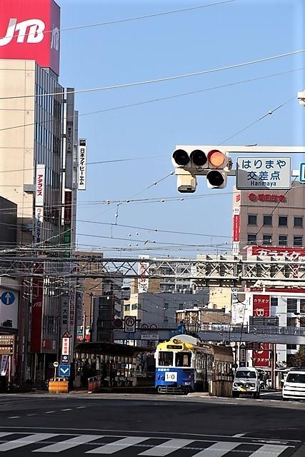 藤田八束の鉄道写真@高知市内を走る路面電車は便利なこと最高です。一日乗り放題600円で5分間隔で走っている・・・観光客は路面電車が嬉しい_d0181492_18220368.jpg