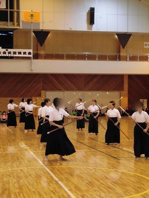 まさに集中力が「ハンパない」 「第8回 富士山武道演武会」_f0141310_07300648.jpg