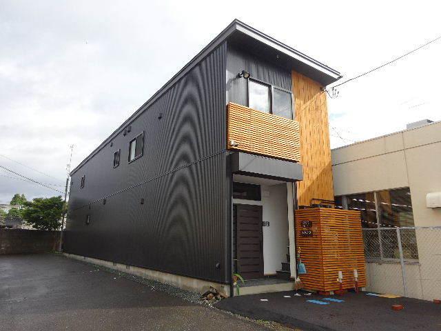 本町通り 住宅建替え工事 完成しました!_f0105112_04303296.jpg